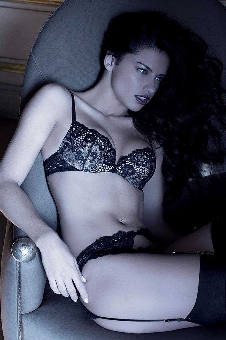 Adriana Lima In Juicy Lingerie 1