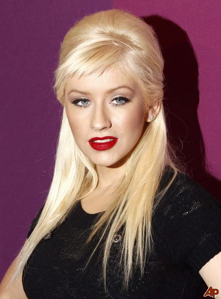 Christina Aguilera To Date Women