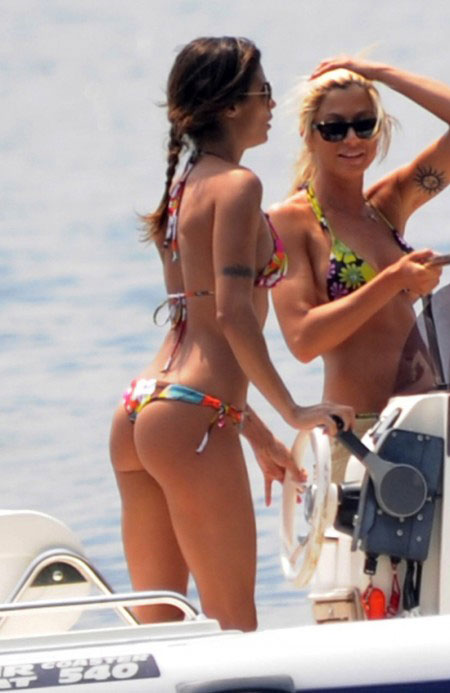 Elisabetta-Canalis-Perfect-Ass-1