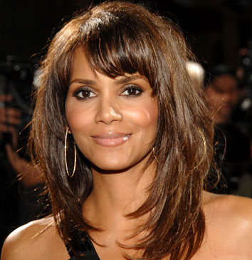 Halle-Berry-in-love-with-two-men