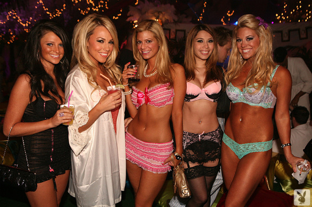 playboy-mansion-party