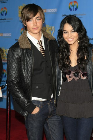 Vanessa Hudgens and Zack Efron making up