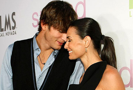 ashton-kutcher-and-demi-moore-split