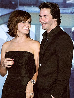Keanu Reeves and Sandra Bullock couple