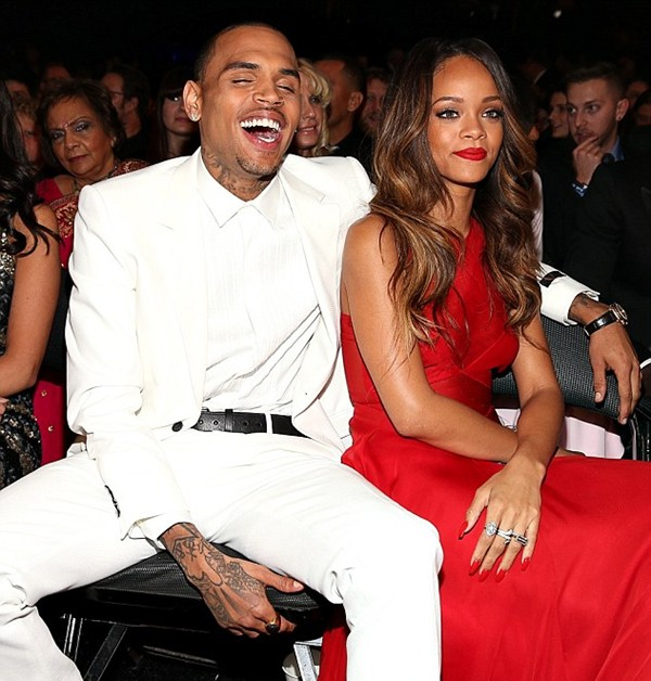 chris brown rihanna snuggle
